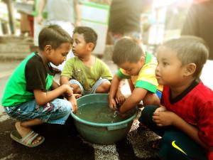 děti, hrát spolu, venkovní