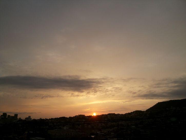 Αυγή, Τζανέιρο, πόλη
