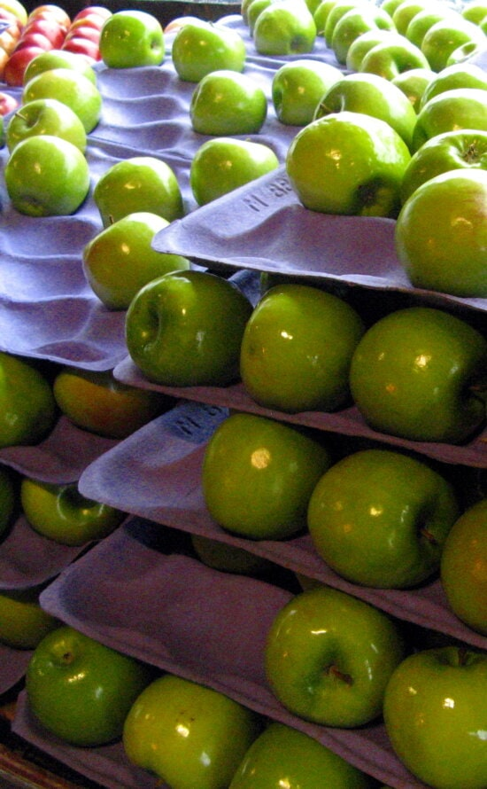 green apples, grocery, store