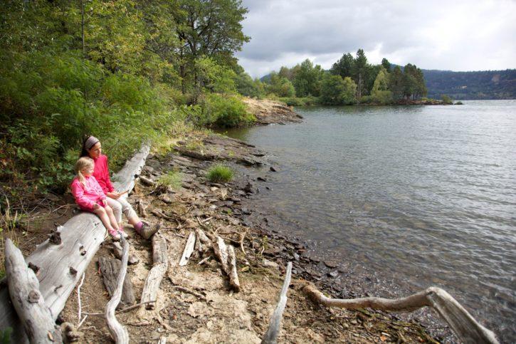 adult, female, child, enjoy, scenic, beauty, Columbia, river