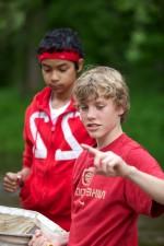 Jungen, rot, Hemden