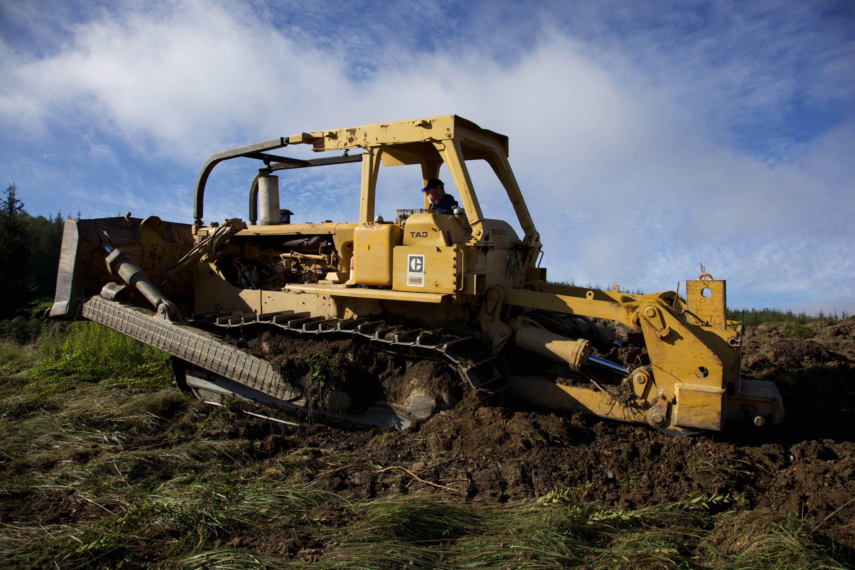 Free photograph; bulldozer, vehicle, excavator