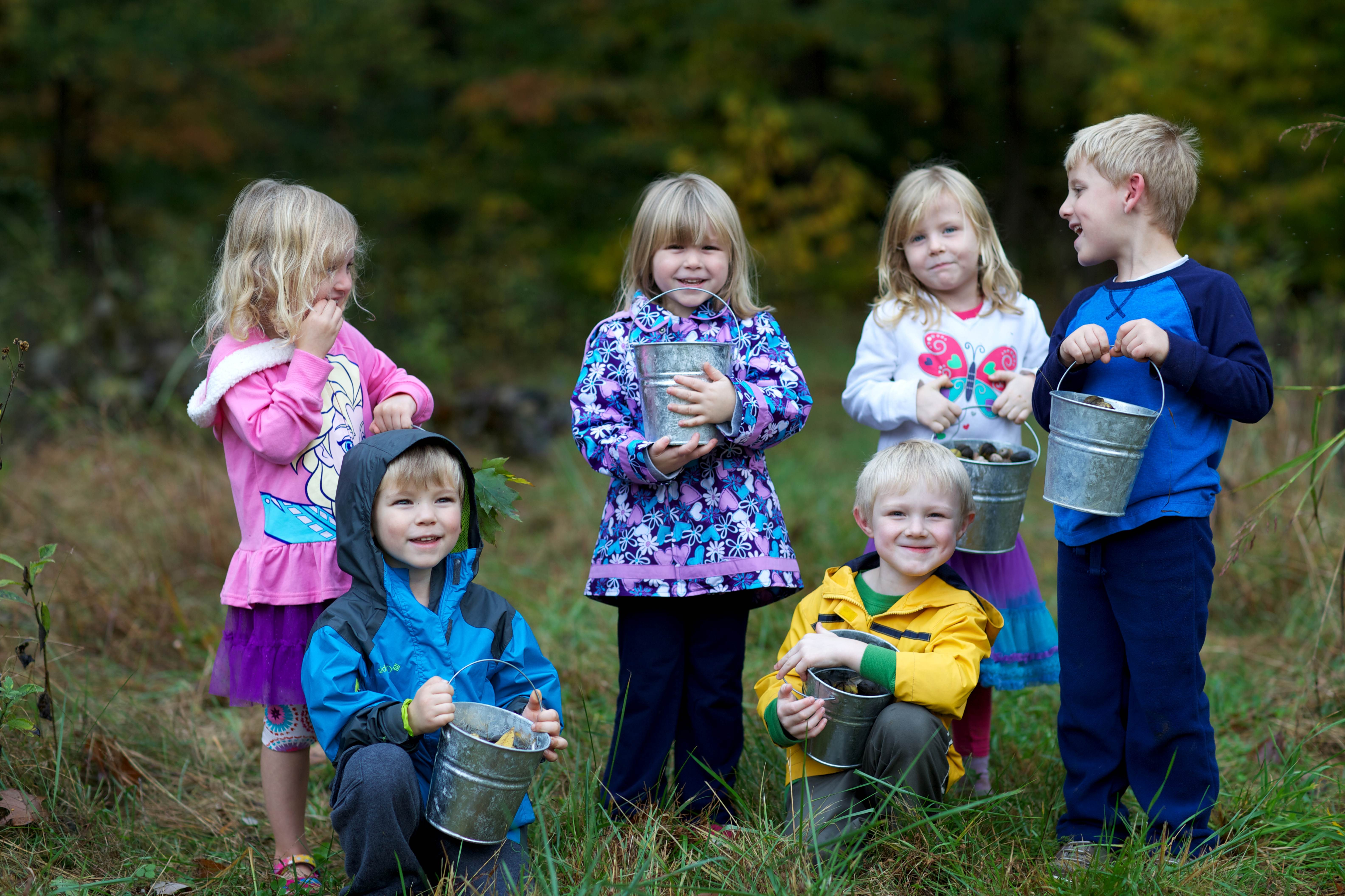 Free photograph; children, group
