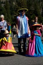 schattig, jongen, meisje, kinderen, kostuum, parade