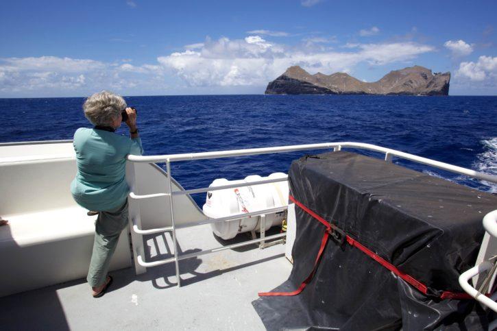 vrouwelijk, dek, schip, met uitzicht op