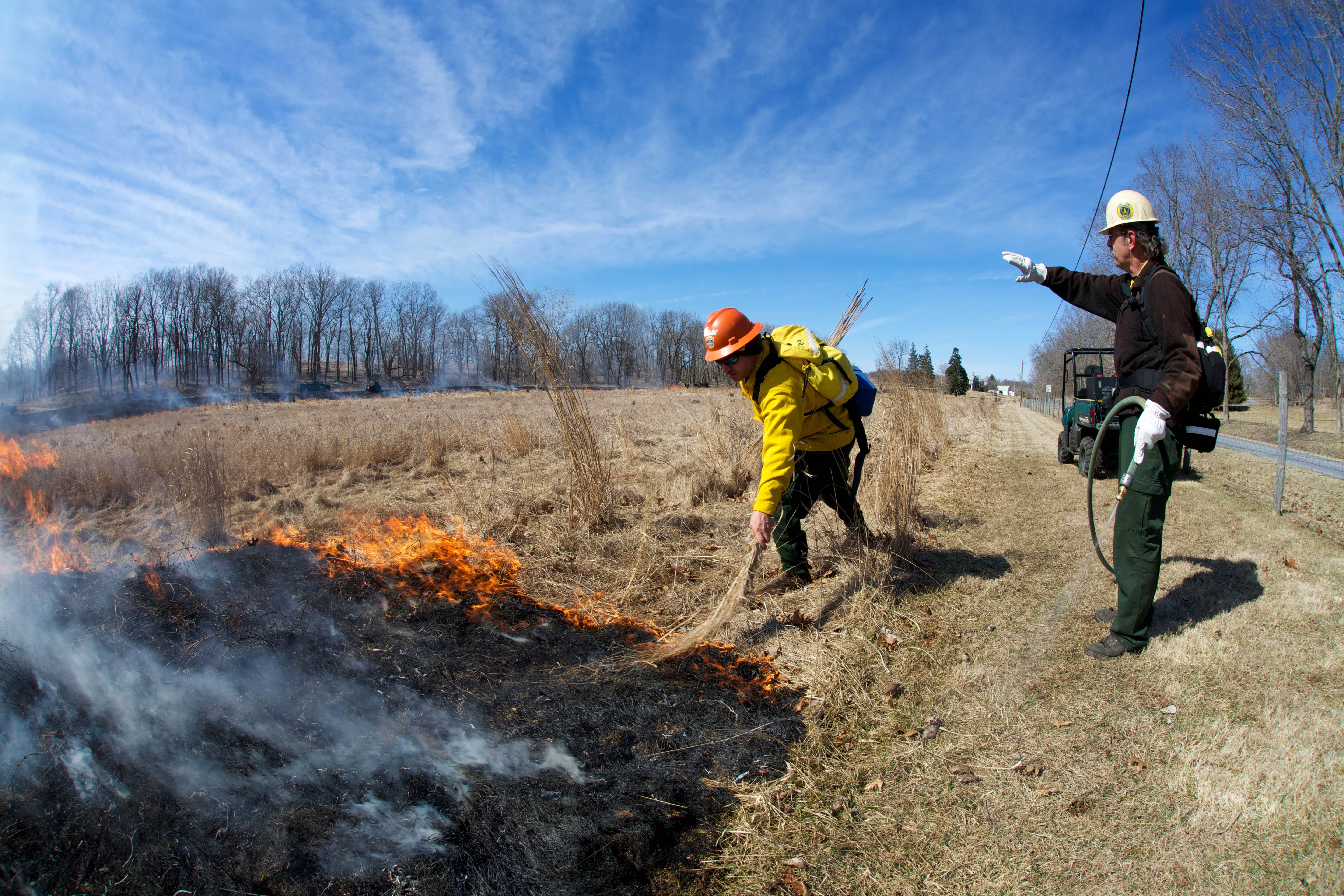 Free photograph; fire, crew, monitoring, prescribed, fire
