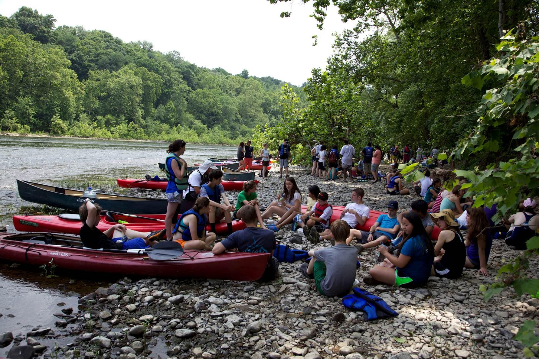 Free photograph; kayak, rest, people, crowd