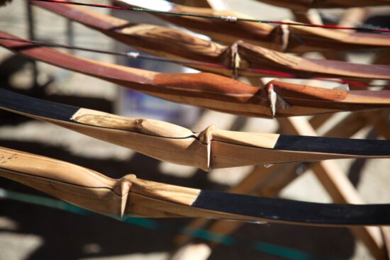 traditional, wooden, bows, rack