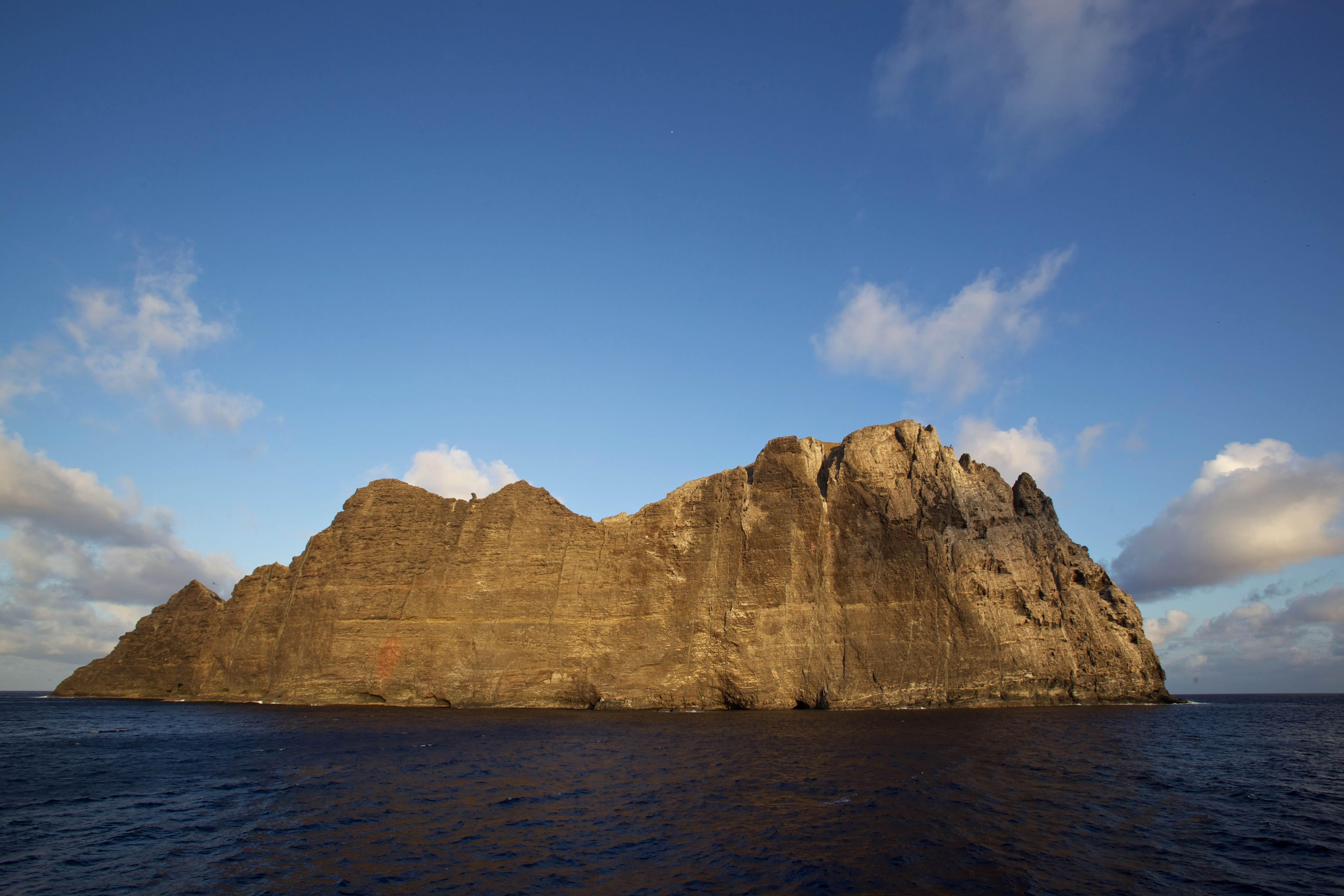 Free photograph; nihoa, island