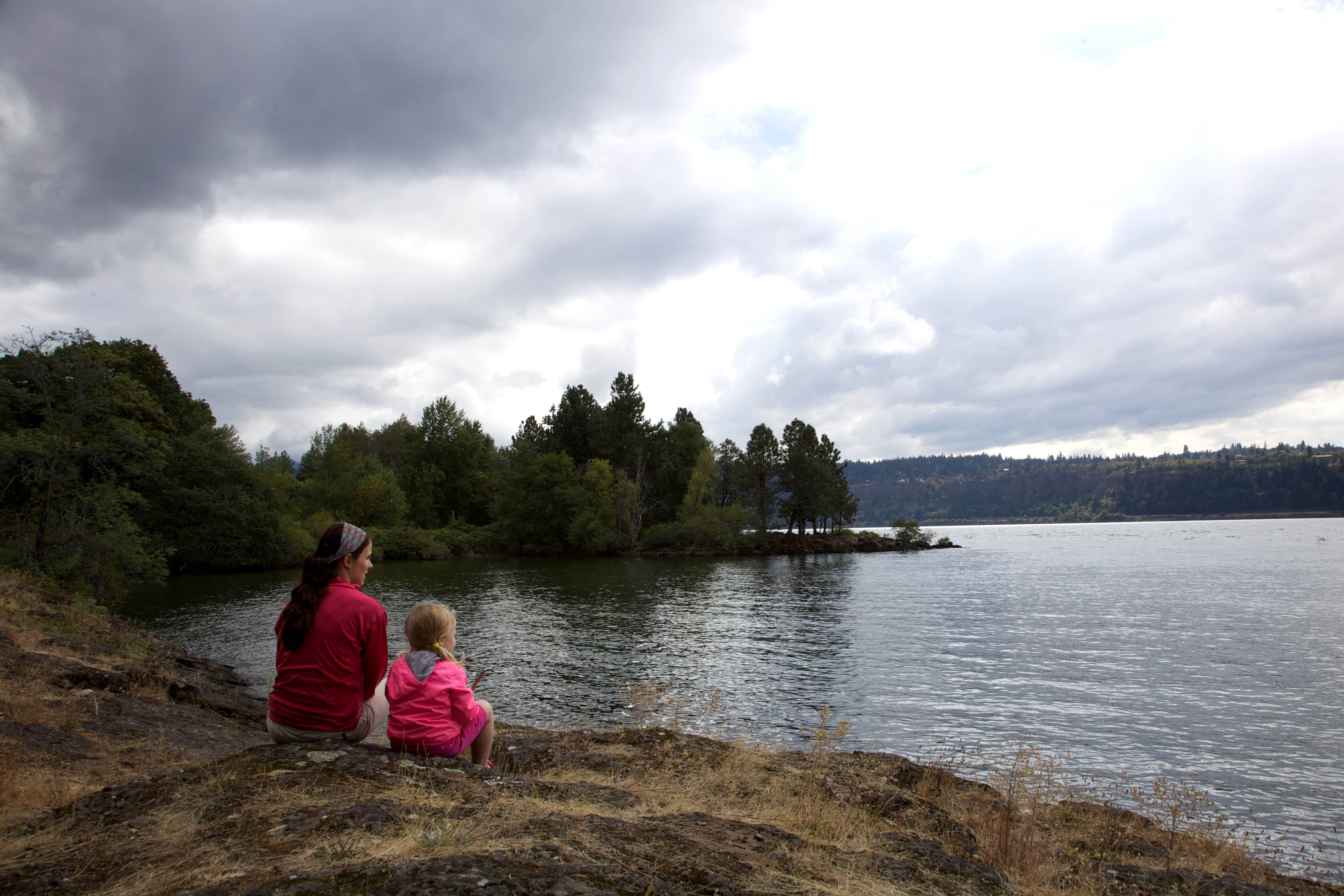 Free photograph; people, child, mother, river