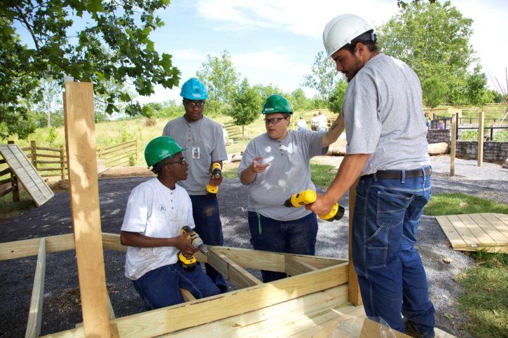ทำงาน โดด สร้าง ก่อสร้าง คนงาน