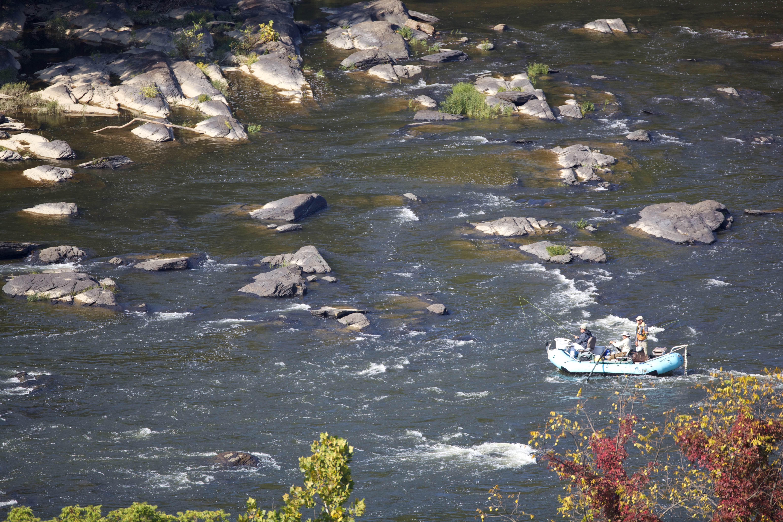 Free photograph; manuvering, rafting, boat, river, fast, water