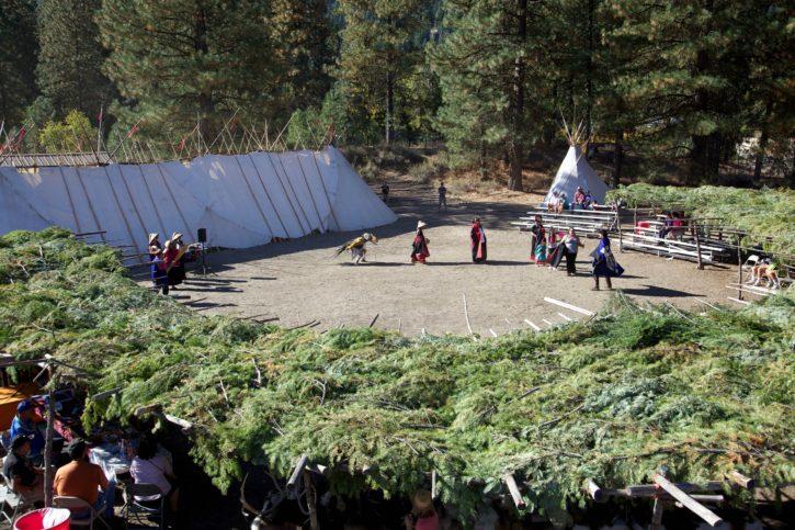 performers, native, American, denceres, village