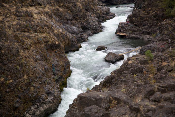 spěchá, vody, dne Klickitat, řeka