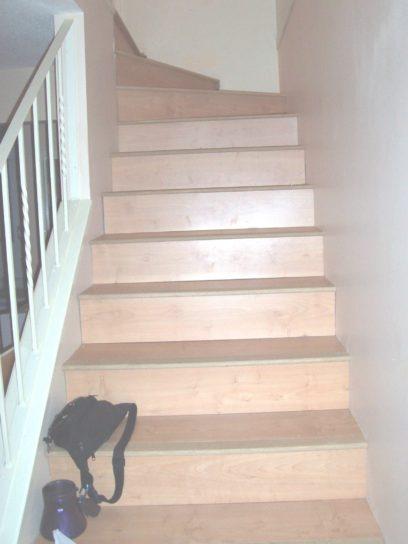 escaliers, intérieurs de maison, escaliers en bois