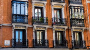 town, traditional, windows, apartment, architecture, balcony, brick, walls, building, city