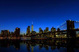 río, horizonte, puente, edificios, noche, reflexión