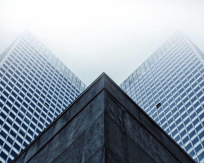 Foto gratis edifici l 39 angolo prospettiva finestre for L architettura moderna