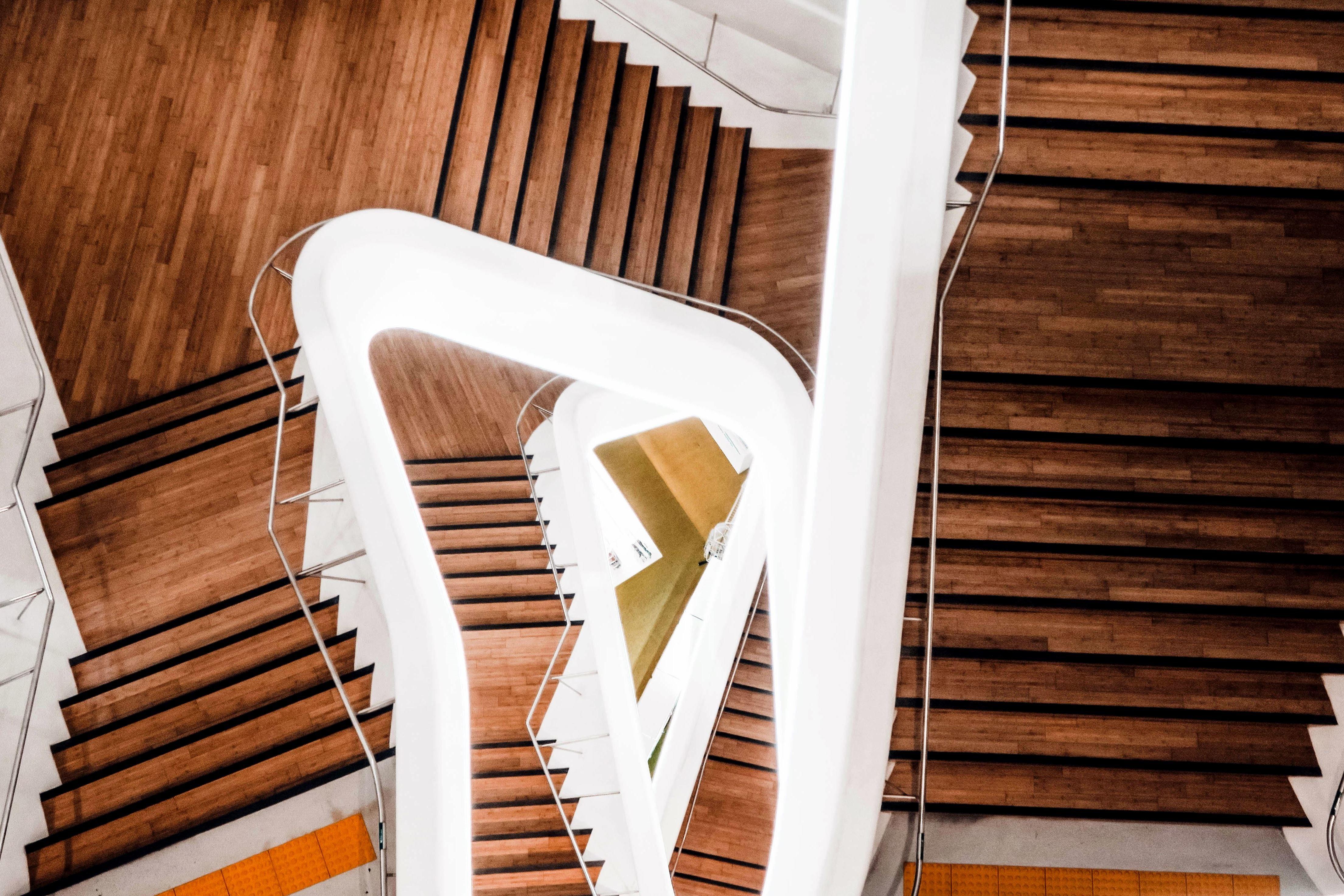 Kostenlose bild luxus modernen treppen architektur in geb ude schritt - Treppen architektur ...