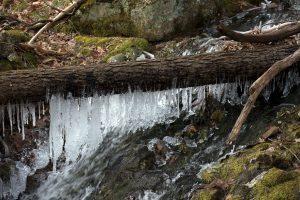 Winter eisige Wasser, Frost, gefroren, Natur, Winter, Eis, Wasser, Bäume, Felsen