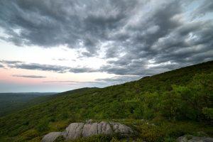 ヒルズ、自然、山、木、空、雲、岩