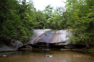 slap, prirodni rezervat, jezero, voda, drveće, stijene