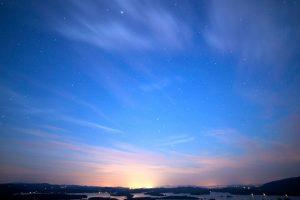 beautiful sky, stars, stars, clouds, night, lake, mountains