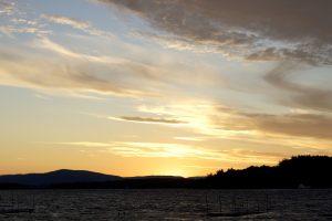 황혼 시간, 일몰 시간, 일몰, 구름, 호수, 산