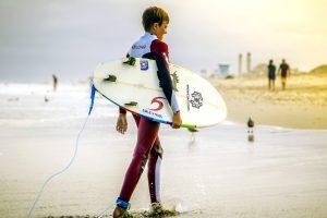 boy, surfer, heading, beach