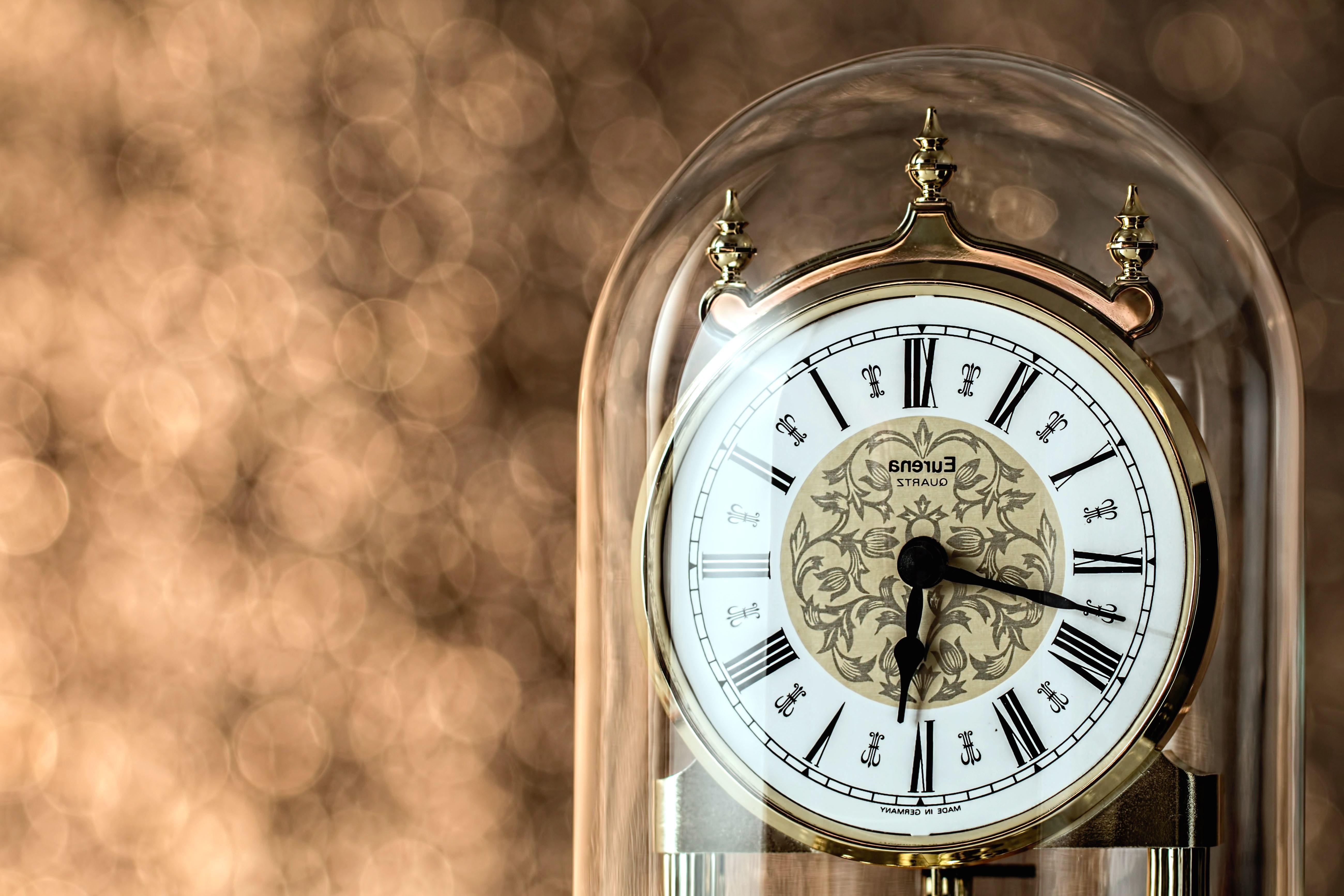 Free Picture Quartz Clock Retro Antique Classic Clock