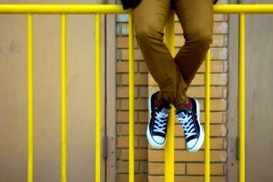 กรอบโลหะสีเหลือง แฟชั่น street รองเท้า รองเท้าผ้าใบ
