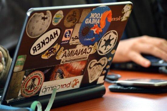 Laptop-Computer, Aufkleber, Tabelle, Technologie