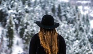 neige, hiver, femme, blonde, veste, chapeau