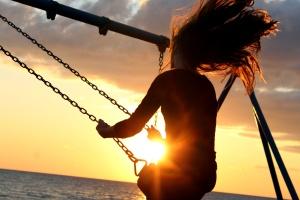 jente, svinger, solnedgang