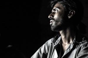 Ασιατική άνθρωπο, πορτραίτο, σκοτάδι
