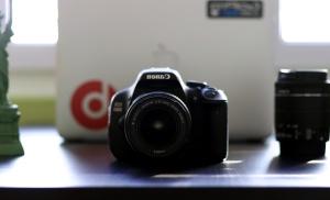 digital camera, lens, table