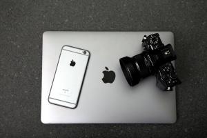 macbook コンピューター、デジタル カメラ、iPhone