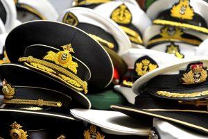 sombreros, gorras marinas del ejército