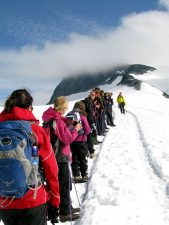 folk klatring, fjell, snø