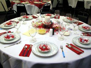 Meja makan, perayaan