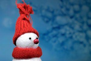 Snowman, czerwony kapelusz, czerwony szalik
