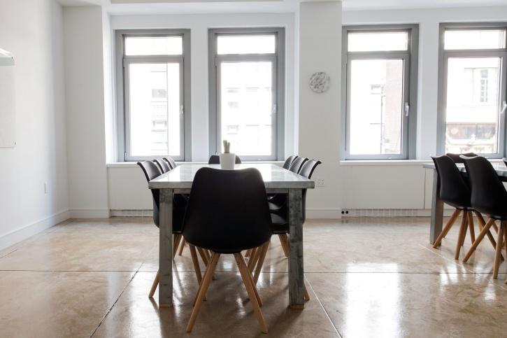 sala, mesa de la cena, ventanas, sillas