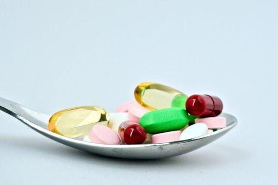 medicine, pills, spoon
