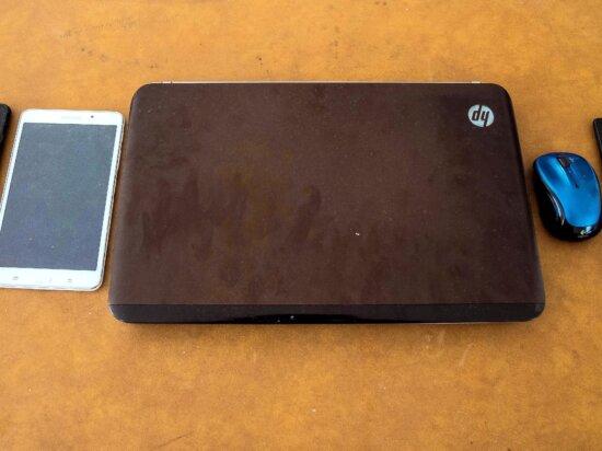 laptop computer, tablet computer, workbench