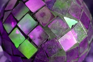 lila Glas, Mosaik, Kugel