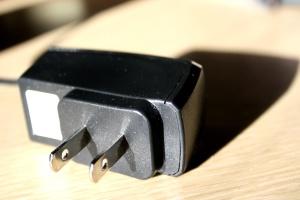 plugue elétrico