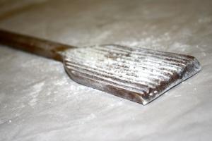 gnocchi, outil de cuisine, paddle, de la farine