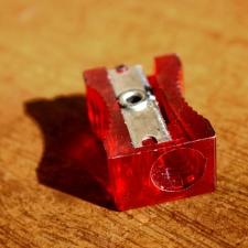 czerwone, z tworzyw sztucznych, Temperówka
