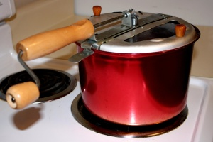 fogão elétrico, panela, pipoca