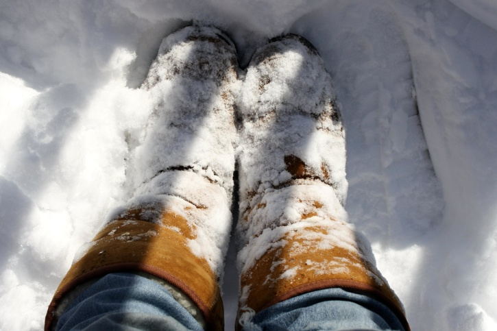 snow boots, shoes